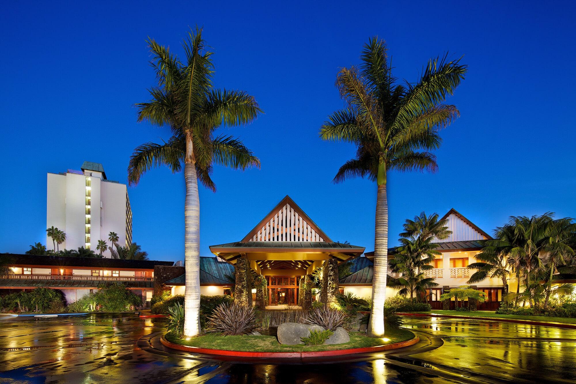 Beachfront Catamaran Resort Hotel And Spa